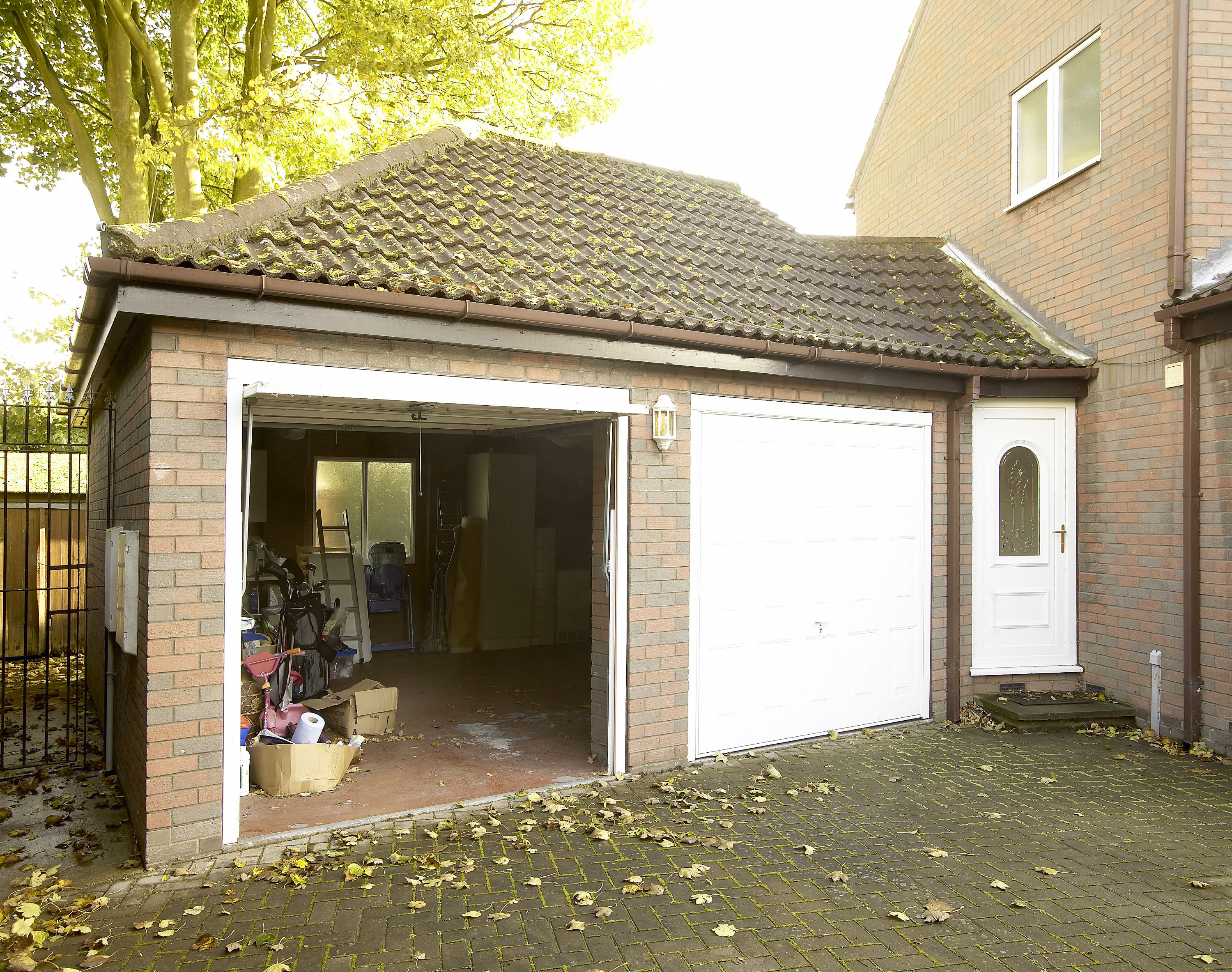 Garage Conversions by EYG 5   wasted space 2